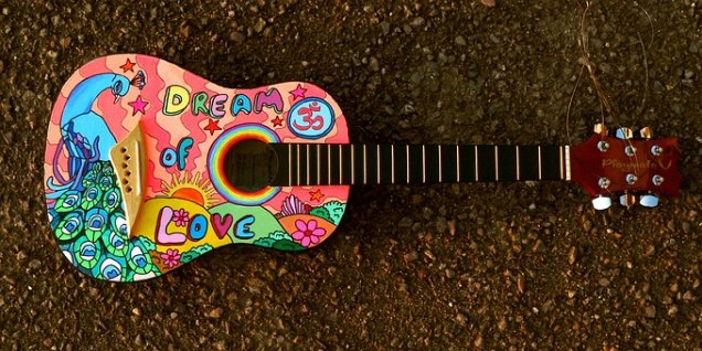 painted-guitar-1087209__340.jpg
