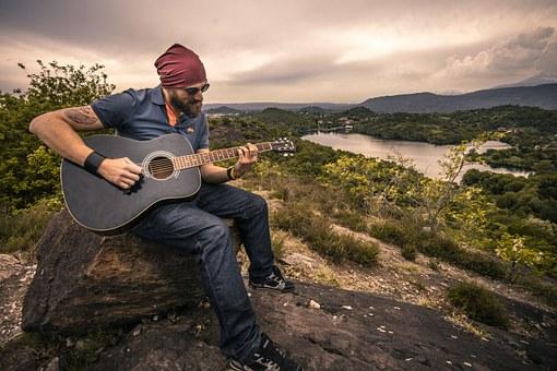 guitarist-407212__340