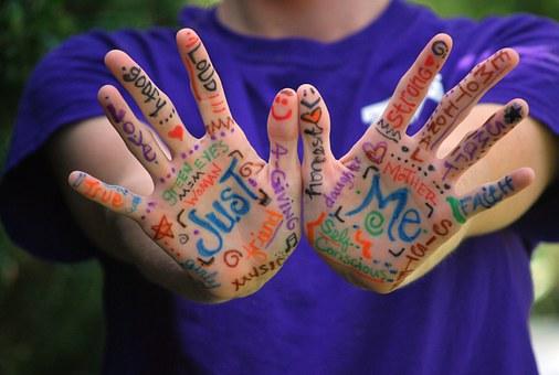 hands-423794__340